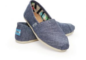 toms_classic_chambray